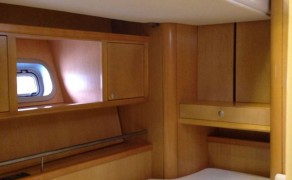 Ceiling bunkbed